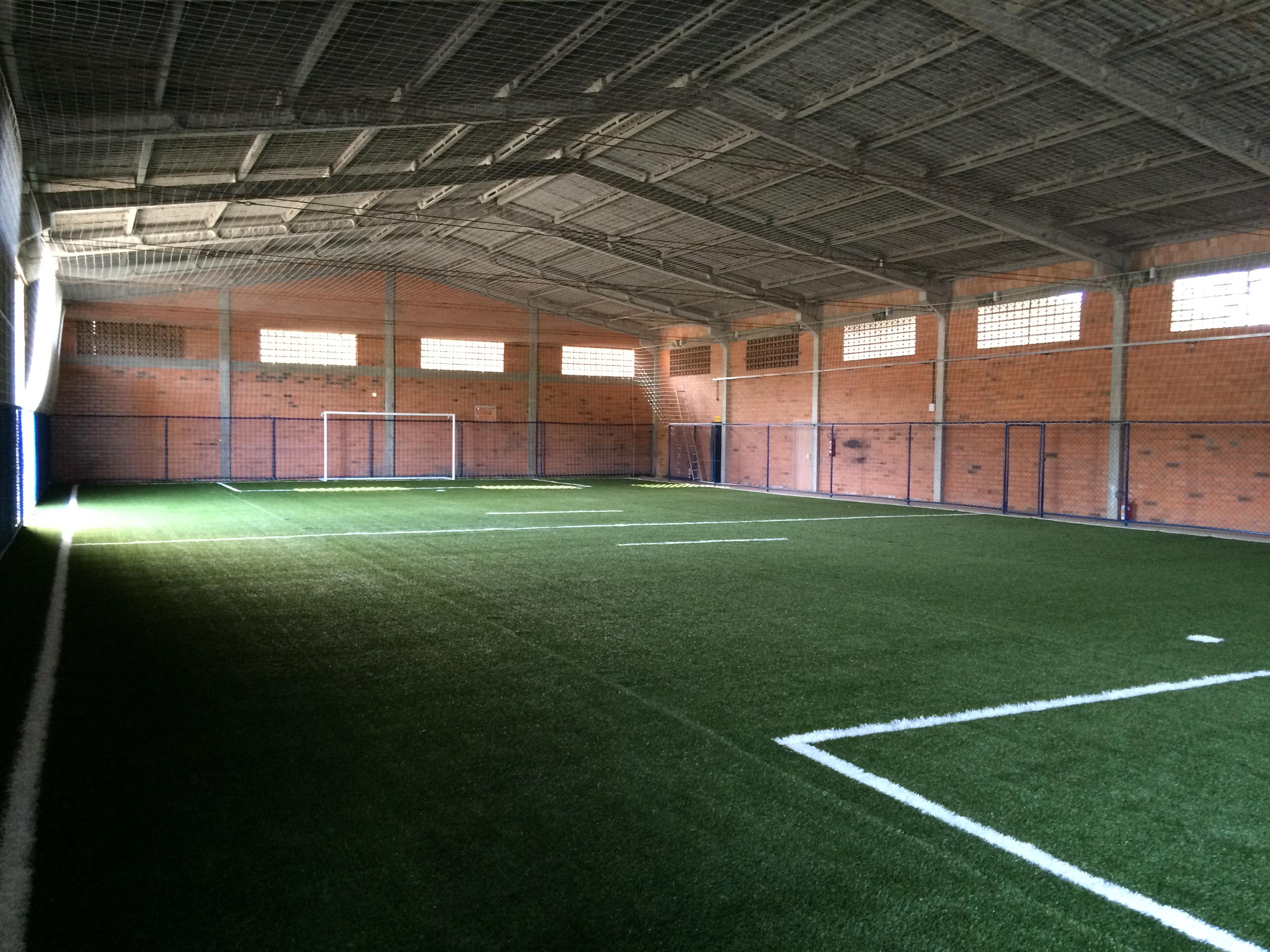Complexo Esportivo Bola Bar - Instalação de grama sintética - Joinville / Santa Catarina