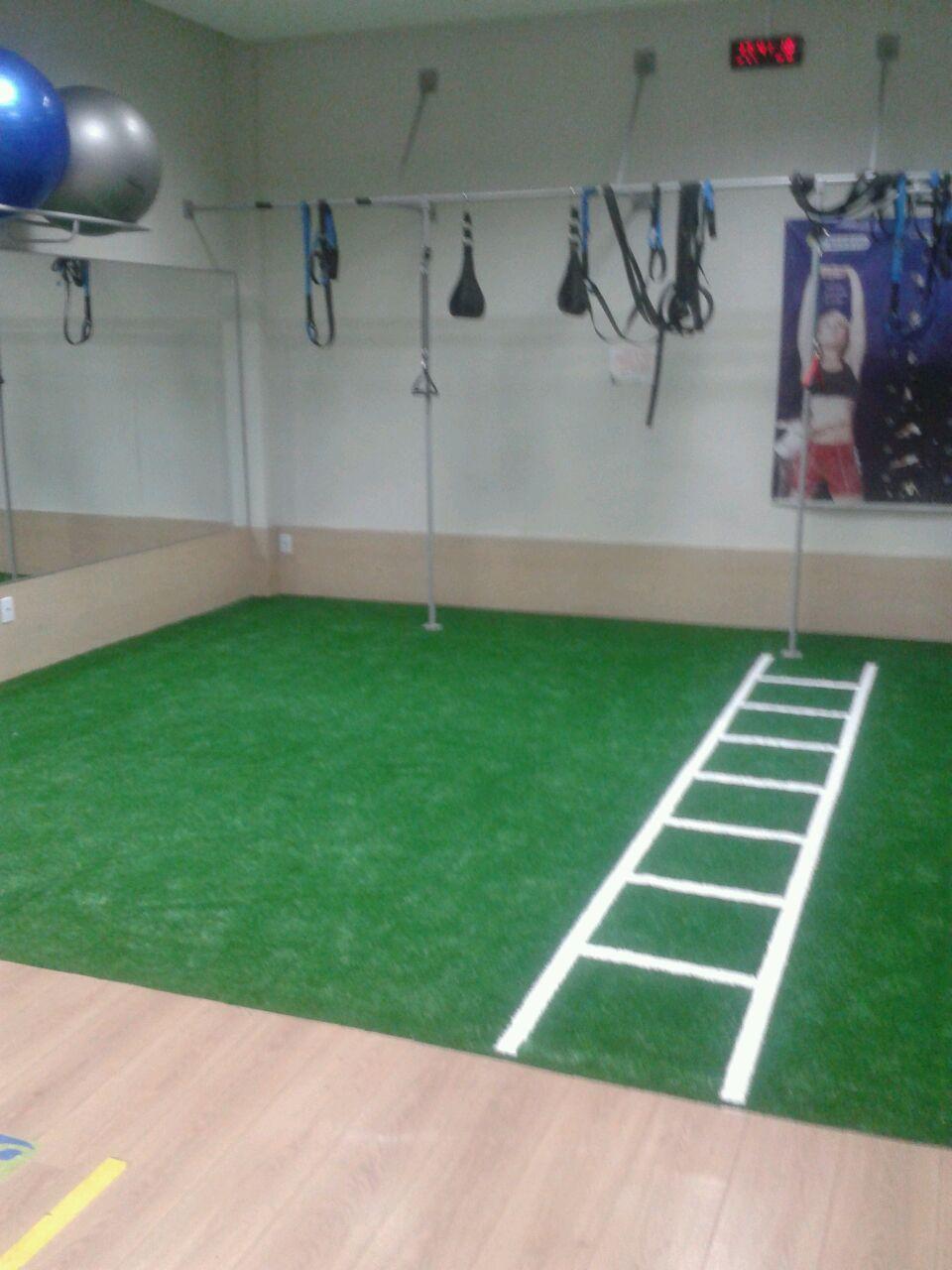 Academia Três Figueiras - Grama sintética para treinos físicos - Porto Alegre / Rio Grande do Sul