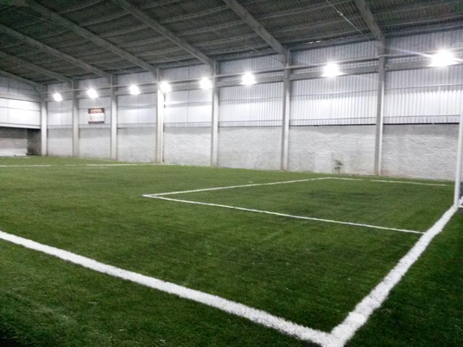 Complexo Esportivo Top Therapy - Quadra de grama sintética e iluminação exclusiva de LED - Itajaí / Santa Catarina